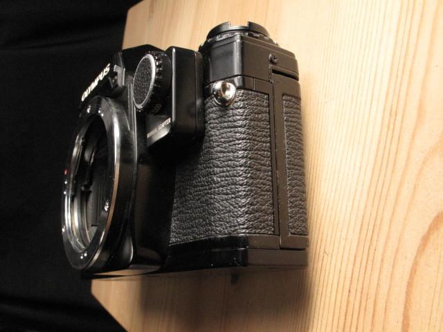 オリンパス★「OLYMPUS OM-10 :ブラックペイント」~作動品、マニュアルアダプター&DATE付属 ZUIKO、Nikon,Canon,PENTAX,MINOLTA好きにも_画像3