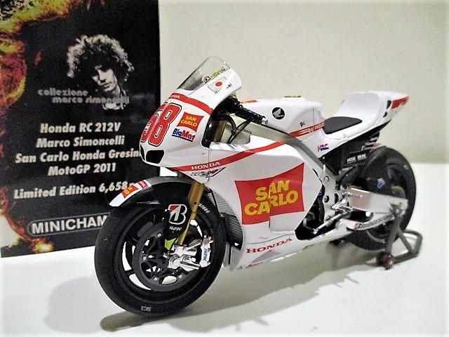 1/18 ホンダ RC212V マルコ・シモンチェリ San Carlo Honda Gresini Moto GP 2011