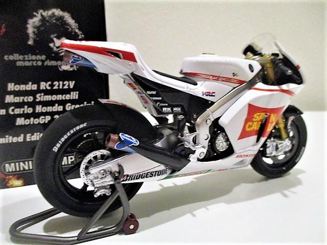 1/18 ホンダ RC212V マルコ・シモンチェリ San Carlo Honda Gresini Moto GP 2011_画像2