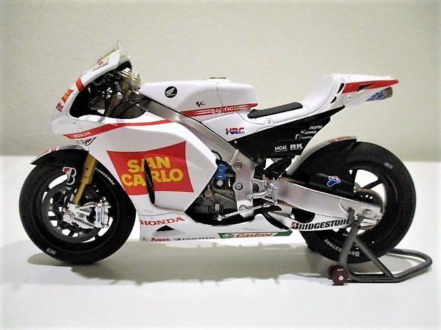 1/18 ホンダ RC212V マルコ・シモンチェリ San Carlo Honda Gresini Moto GP 2011_画像7