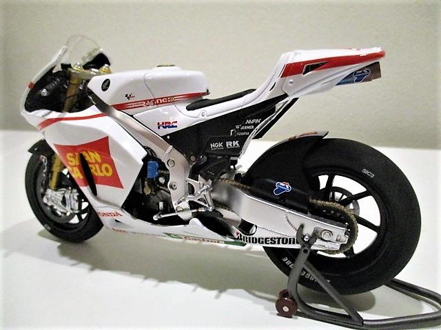 1/18 ホンダ RC212V マルコ・シモンチェリ San Carlo Honda Gresini Moto GP 2011_画像8