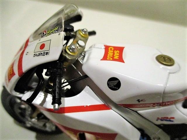 1/18 ホンダ RC212V マルコ・シモンチェリ San Carlo Honda Gresini Moto GP 2011_画像9