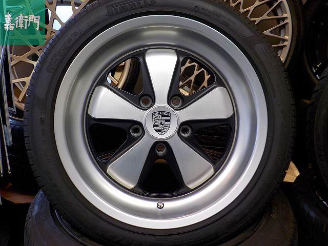 ポルシェ 911 カレラ デモカー装着のみ FUCHS フックス ポルシェ承認タイヤ 235/40 295/35 ピレリ P-ZERO ROSSO 964 993 996 997_画像1