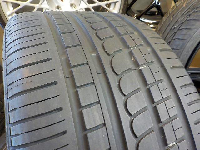 ポルシェ 911 カレラ デモカー装着のみ FUCHS フックス ポルシェ承認タイヤ 235/40 295/35 ピレリ P-ZERO ROSSO 964 993 996 997_画像6