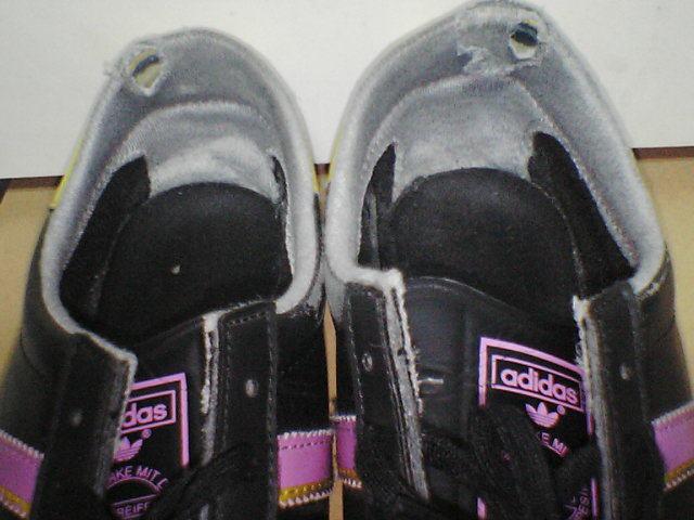 8ac625f00f226e  adidas 3 STREIFEN THE BRAND DIE MARKE MIT DEN WITH THE 3 STRIPES 黒