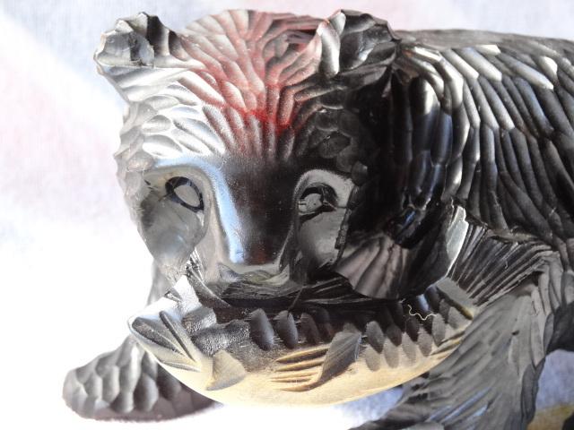 鮭を咥えた 木彫 熊 ☆ 木彫りの熊 ★ 置物 ☆ 北海道 ★ ブラック ☆ 伝統工芸 美術品 ★ インテリア ☆ アンティーク・アイヌ・昭和58年_画像7