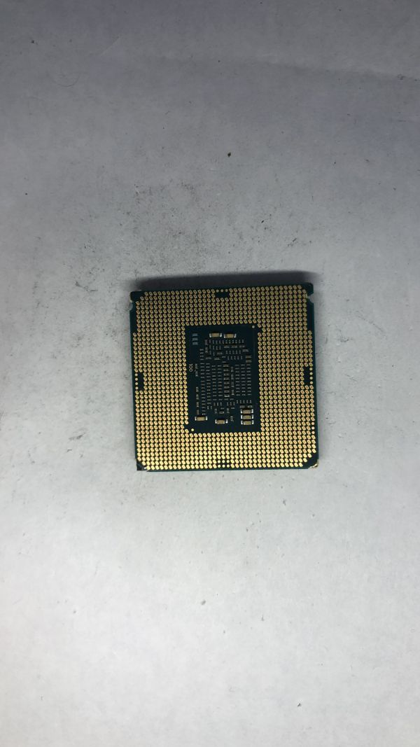 CPU Intel i7-7700K SR33A 4.20Ghz LGA1151ジャンク_画像2