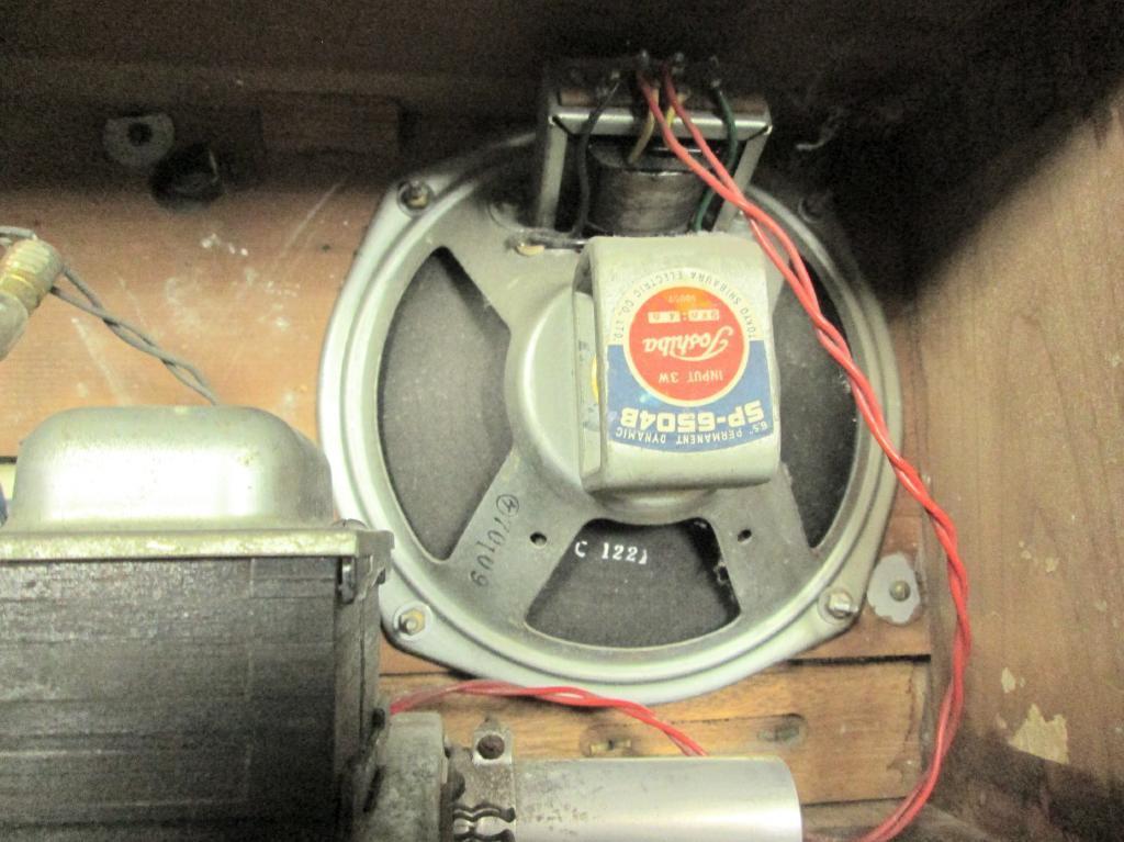 A 真空管ラジオ シャーシ等一式 TOSHIBA MT管 受信確認出来ません ジャンク_画像3