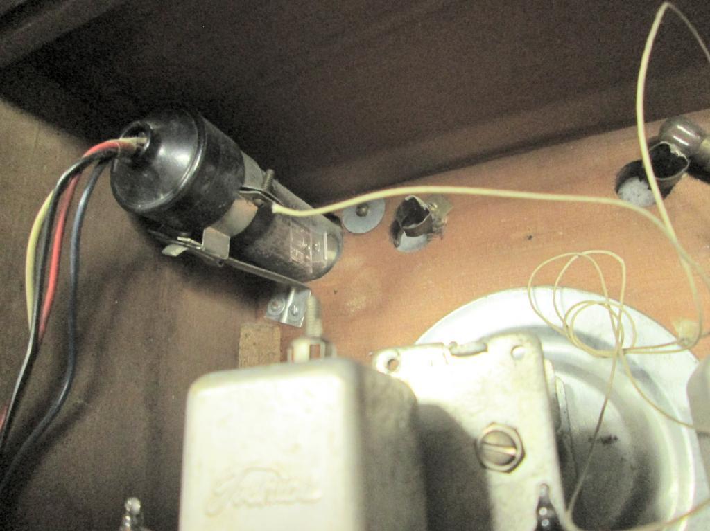 A 真空管ラジオ シャーシ等一式 TOSHIBA MT管 受信確認出来ません ジャンク_画像8