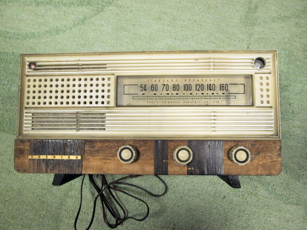 A 真空管ラジオ シャーシ等一式 TOSHIBA MT管 受信確認出来ません ジャンク