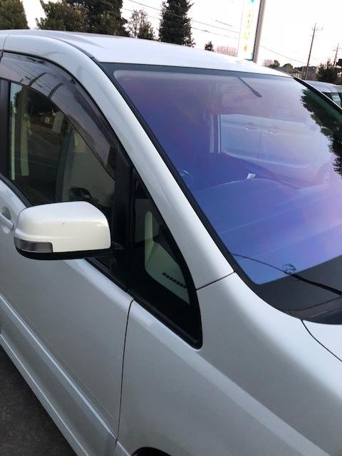 GA-01 自分で貼れるカット済みカーフィルム・・・運転席に助手席にゴーストオーロラの美しい魅力!_画像5