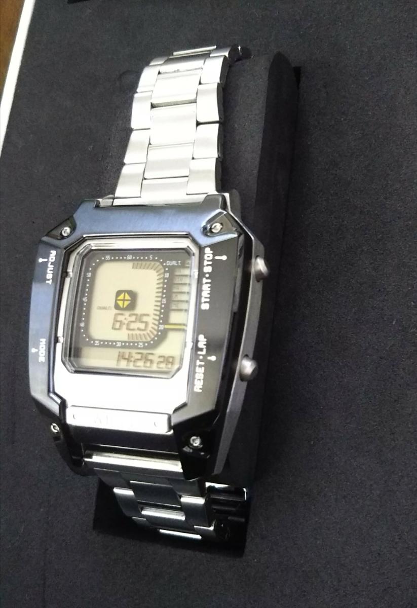 ワイアード デジボーグ 腕時計 WIRED ×METAL GEAR SOLID V:THE PHANTOM PAIN メタルギアソリッド コラボレーションウオッチ中古品 _画像3