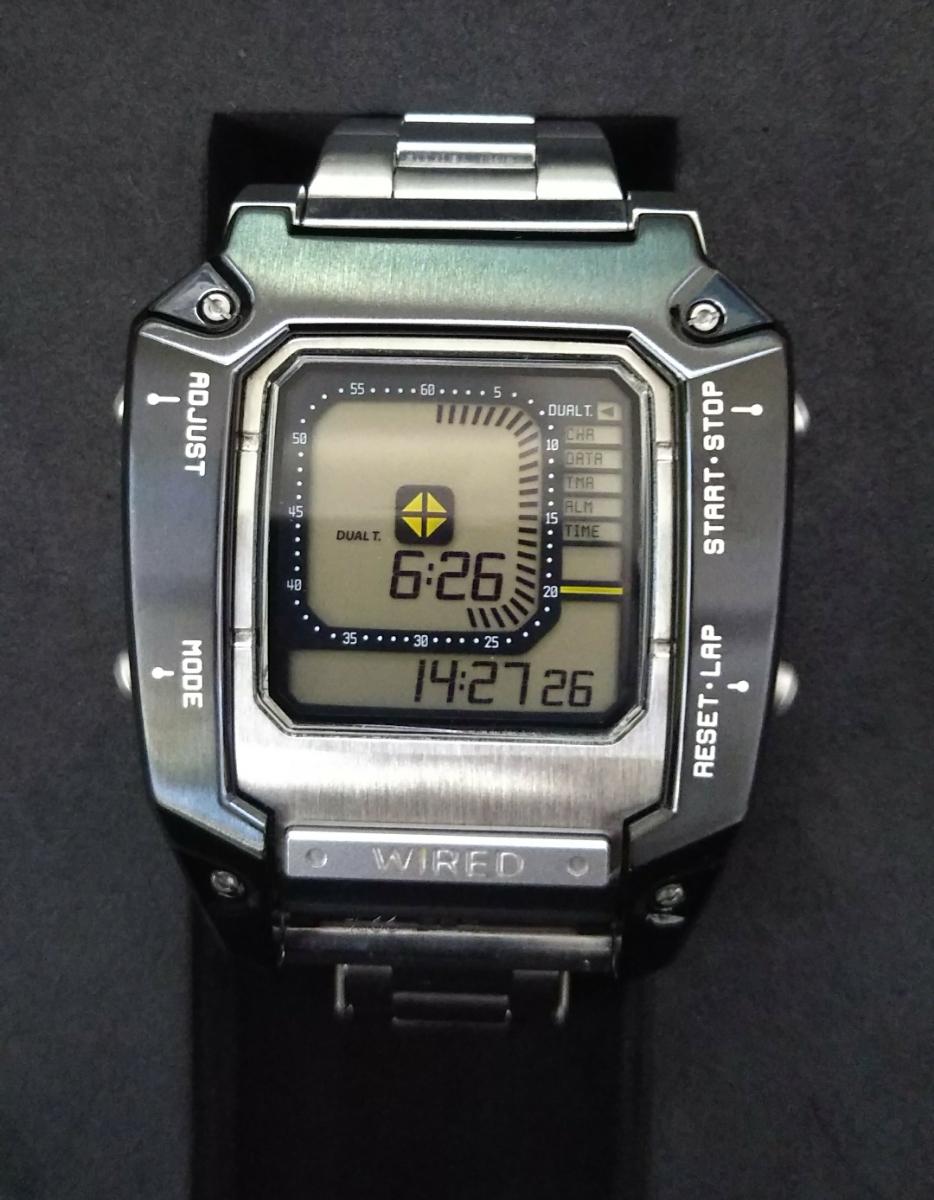 ワイアード デジボーグ 腕時計 WIRED ×METAL GEAR SOLID V:THE PHANTOM PAIN メタルギアソリッド コラボレーションウオッチ中古品 _画像2
