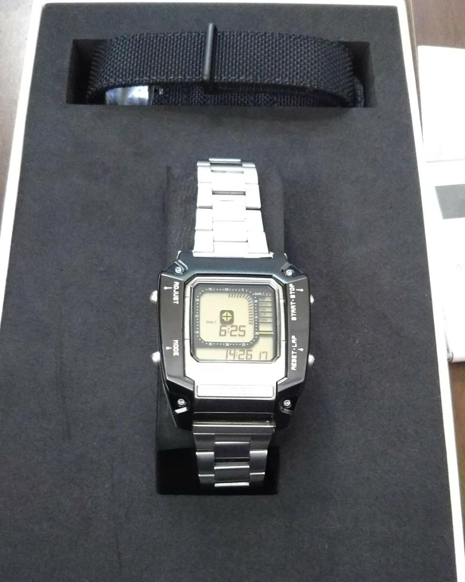 ワイアード デジボーグ 腕時計 WIRED ×METAL GEAR SOLID V:THE PHANTOM PAIN メタルギアソリッド コラボレーションウオッチ中古品 _画像8