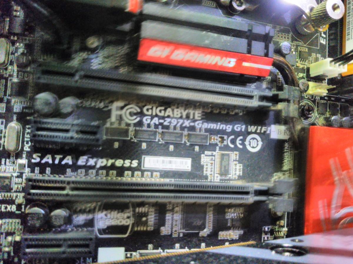 自作 Gaming PC z97X Gaming G1Wifi Bk Core i7 4790K GTX1080Ti Titanium電源 16Gメモリ 限定モデルケース_画像3