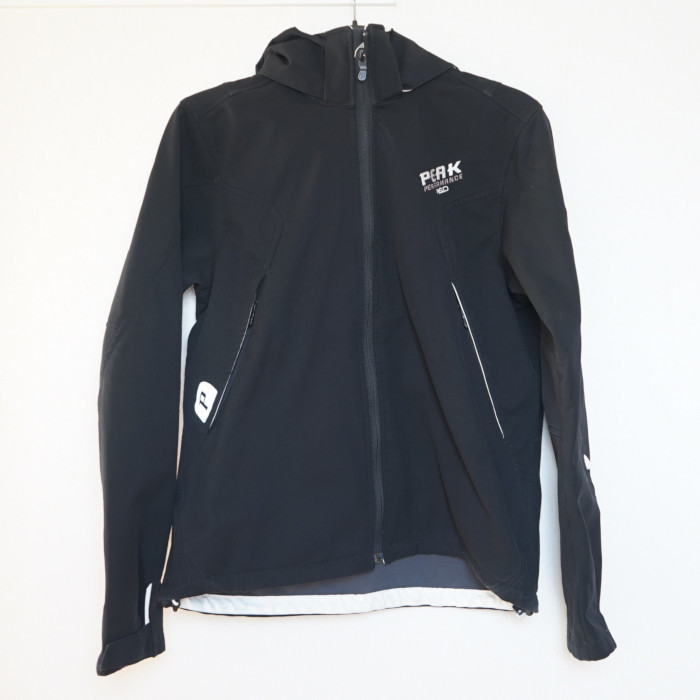 ★Peak Performance R&D ソフトシェルジャケット ブラック boys160★ ピークパフォーマンス マウンテンパーカー