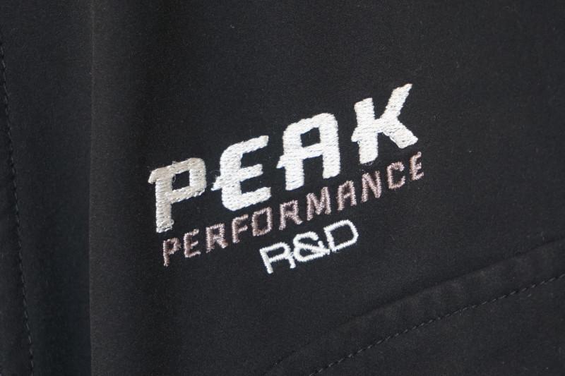 ★Peak Performance R&D ソフトシェルジャケット ブラック boys160★ ピークパフォーマンス マウンテンパーカー_画像5