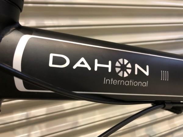 17年モデル 状態良好 DAHON Speed D8 international 8段変速 スピードD8 ダホン MatBlack 20インチ 折りたたみ自転車 中古_画像2