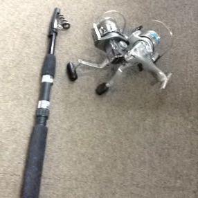 g_t z841 スピニングリール2個 ・上物竿1本・釣り糸・仕掛針・重り など多数_画像1