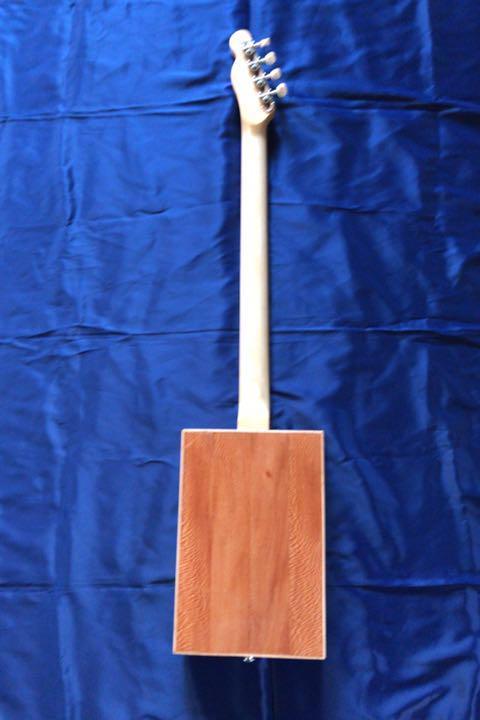 シガーボックス ギター タイプ エレアコ トルコ製 レア_画像3
