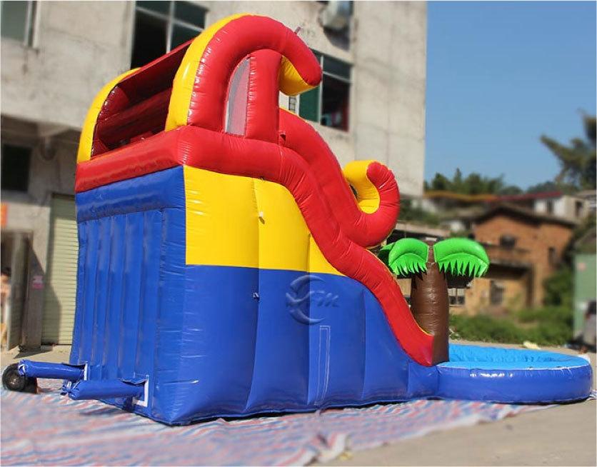 滑り台とプールがセット!夏は水、その他の時期はボールプールになります。_画像5