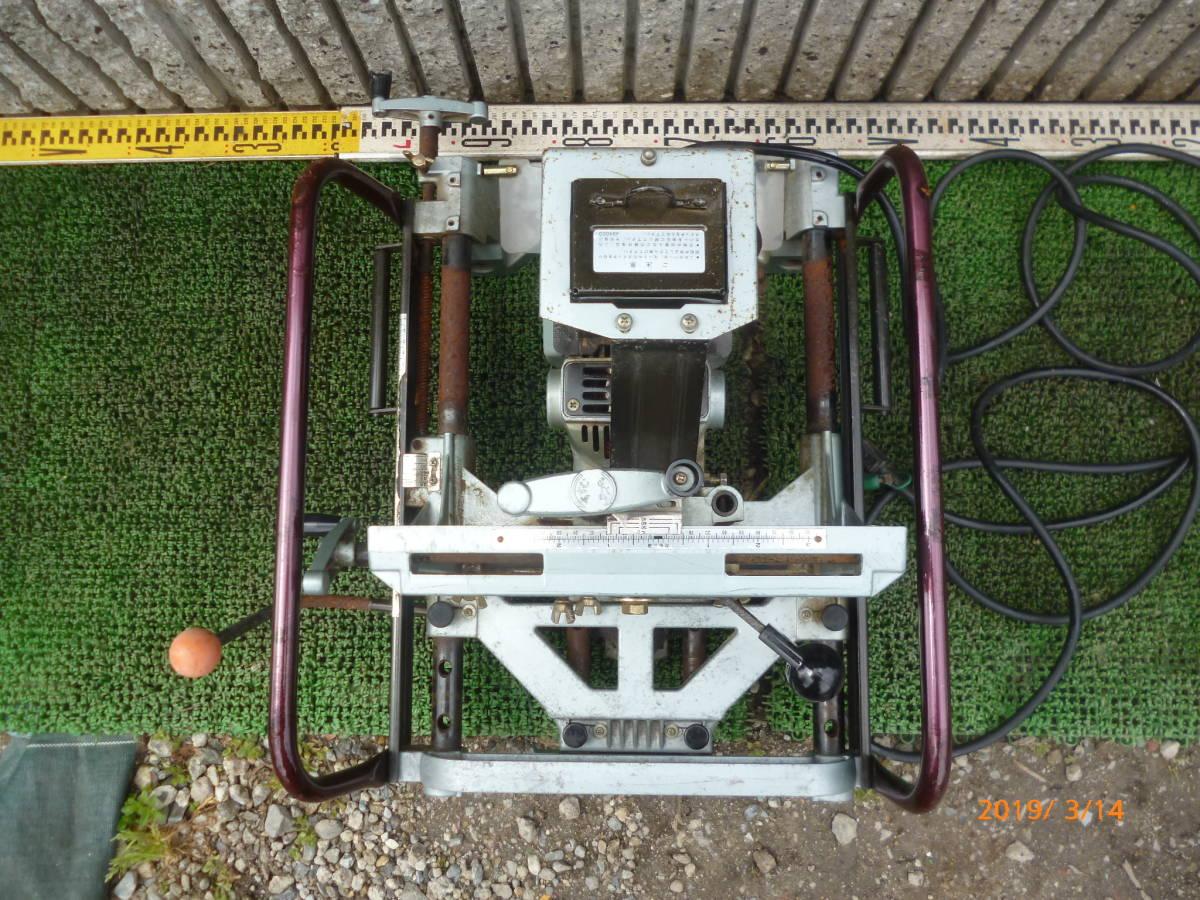 日立工機 HITACHI 日立 16mm M16Y 仕口ルーター 仕口ルータ ルータ ルーター 100V 50/60Hz 15A 木工 木材 大入 大工 _画像2