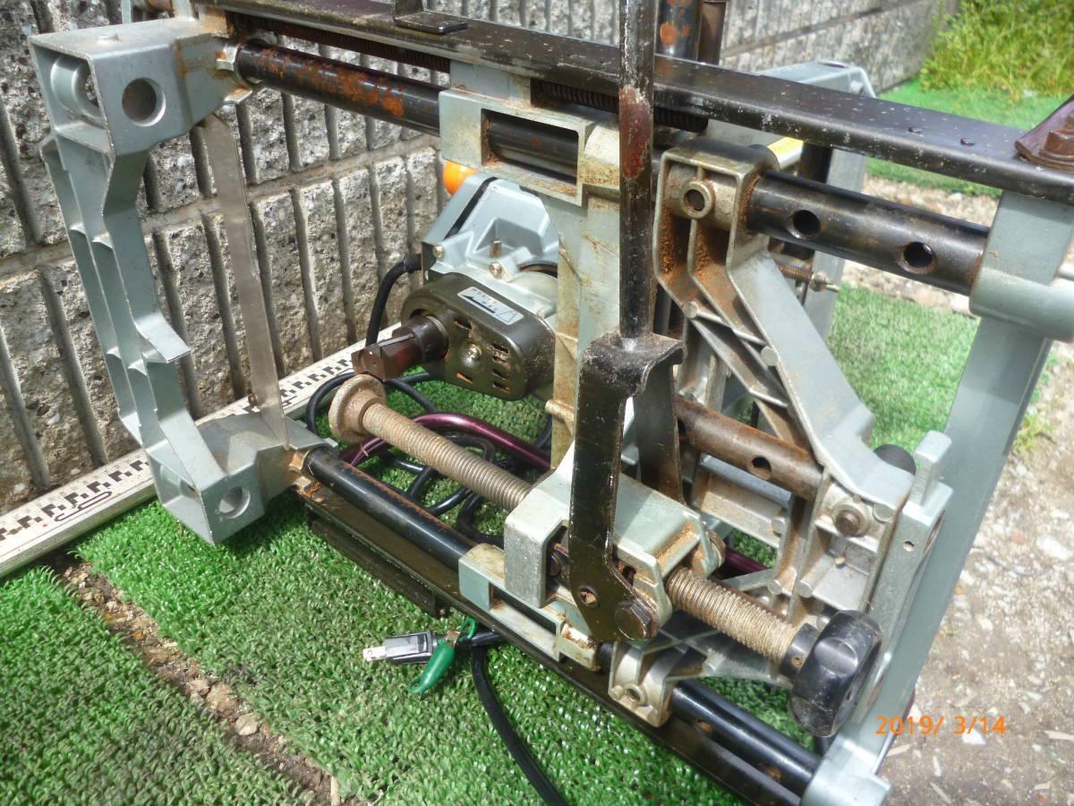日立工機 HITACHI 日立 16mm M16Y 仕口ルーター 仕口ルータ ルータ ルーター 100V 50/60Hz 15A 木工 木材 大入 大工 _画像6