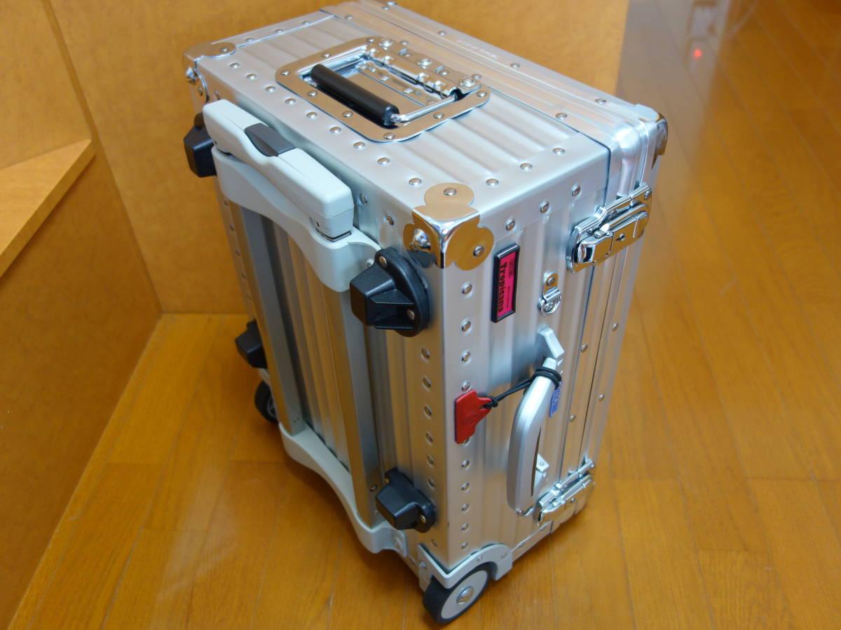 RIMOWA リモワ トロピカーナ 2輪 青ロゴ 機内持ち込み可能サイズ 370.07.00.2 美品_画像3