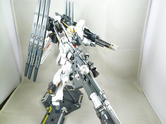 MG シナンジュスタイン・(改) (塗装済み完成品)_画像5