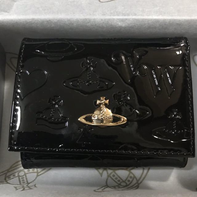 3758ac9c1244 代購代標第一品牌- 樂淘letao - Vivienne Westwood 新品!ヴィヴィアンウェストウッドエナメル黒ブラック2財布二つ折りがま口