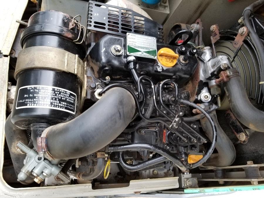 売切り 油圧ショベル ミニユンボ YANMAR B08 Scoppy ヤンマー 0.8トン ゴムキャタ 排土板 3気筒ディーゼルエンジン 椅子新品_画像10