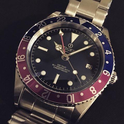 GMT watch ペプシベゼル ミラー黒文字盤 ブレスつき