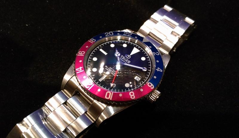 GMT watch ペプシベゼル ミラー黒文字盤 ブレスつき_画像2