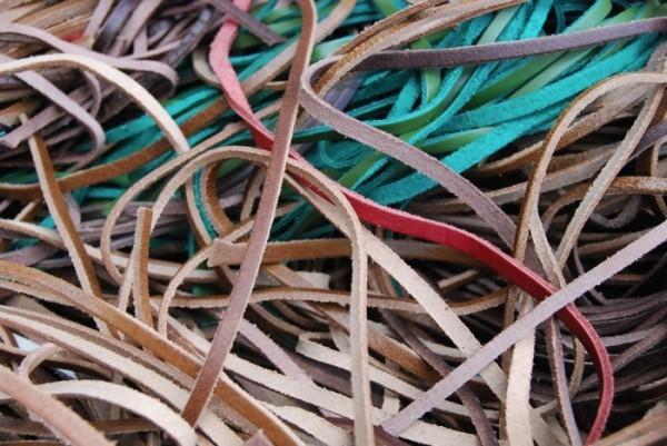 革紐 細切り まとめて 大量 多種 多色 大箱 タンニン クローム レザー 0802_画像2