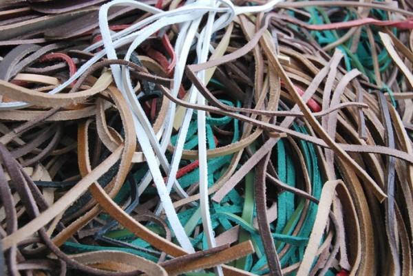 革紐 細切り まとめて 大量 多種 多色 大箱 タンニン クローム レザー 0802_画像3