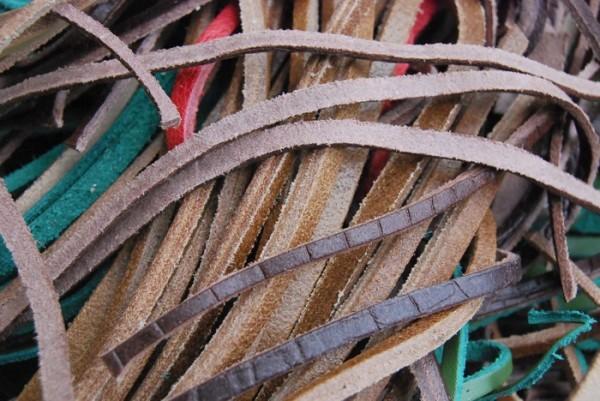 革紐 細切り まとめて 大量 多種 多色 大箱 タンニン クローム レザー 0802_画像5