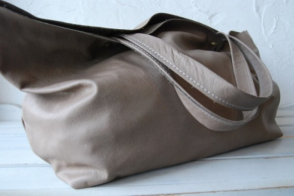 贅沢 とても軽量 クチャ 肩掛け 本革鞄 ハンドメイドバッグ レザー 国産_画像4