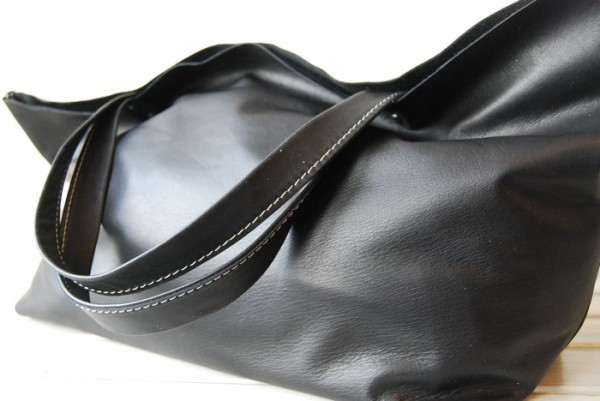 贅沢 とても軽量 クチャ 肩掛け 天然革 レザーバッグ ハンドメイド 日本製