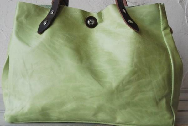 とても軽量 クシャ シンプル 革 ハンドメイドバッグ お取り置き可_画像2