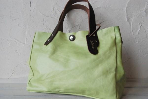 とても軽量 クシャ シンプル 革 ハンドメイドバッグ お取り置き可