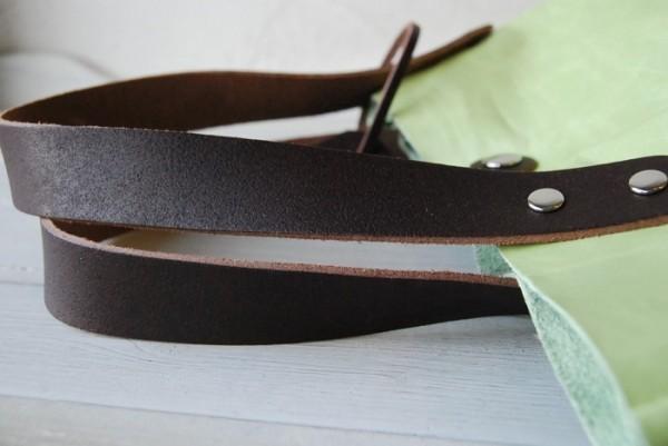 とても軽量 クシャ シンプル 革 ハンドメイドバッグ お取り置き可_画像5