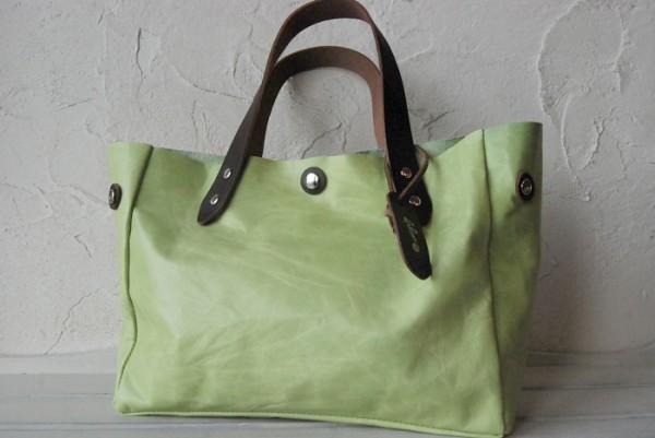 とても軽量 クシャ シンプル 革 ハンドメイドバッグ お取り置き可_画像9