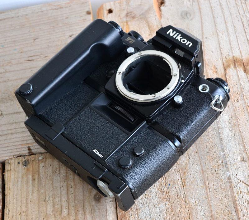 ニコン Nikon F3 フィルムカメラ + モータードライブ MD-4 + AH-3 + Nikkor 28-85mm f3.5-4.5_画像4