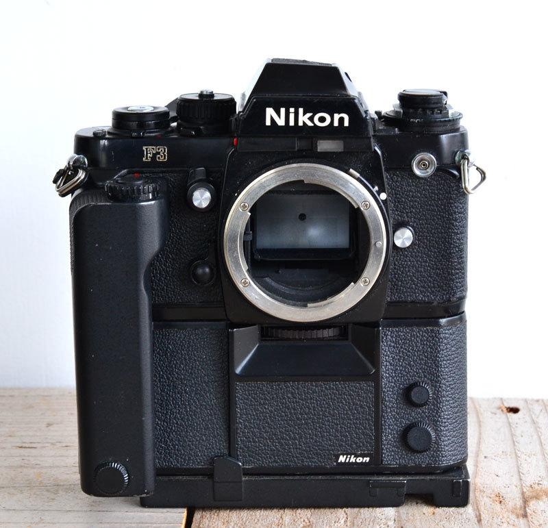 ニコン Nikon F3 フィルムカメラ + モータードライブ MD-4 + AH-3 + Nikkor 28-85mm f3.5-4.5_画像3