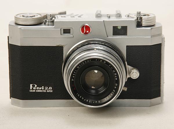 稀少? 機種不明 ペトリカメラ F2.8 _画像3