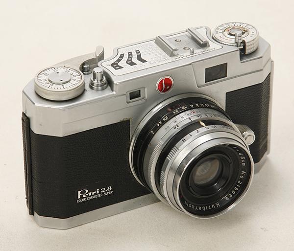 稀少? 機種不明 ペトリカメラ F2.8 _画像2