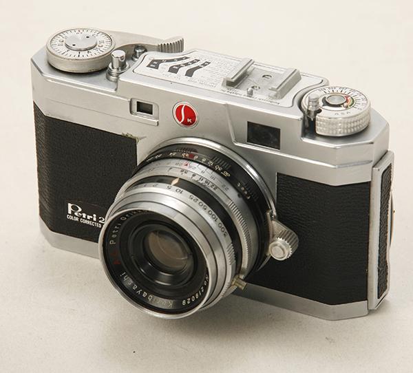 稀少? 機種不明 ペトリカメラ F2.8