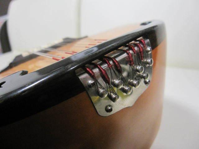 弦楽器 SUZUKI スズキ マンドリン No.20 年代物 ハードケース付き_画像10