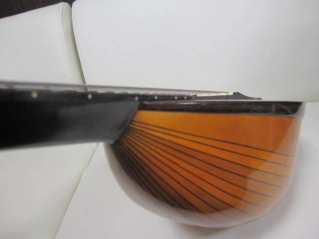 弦楽器 SUZUKI スズキ マンドリン No.20 年代物 ハードケース付き_画像4