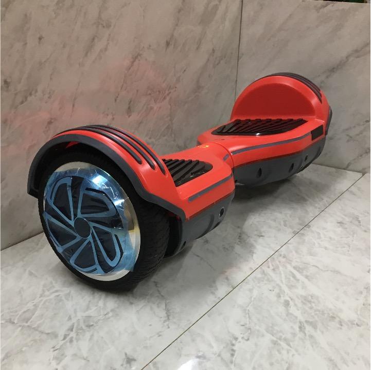 ラスト3台 最新モデル 新品 セグウェイ Bluetooth搭載 バランススクーター プレゼント人気No. 1 iPhone 自転車 通勤楽々 セレブ流行_画像2